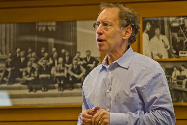 Institute professor Robert Langer discussed the formula he has used to start 26 companies. Photo: Rahul Rithe